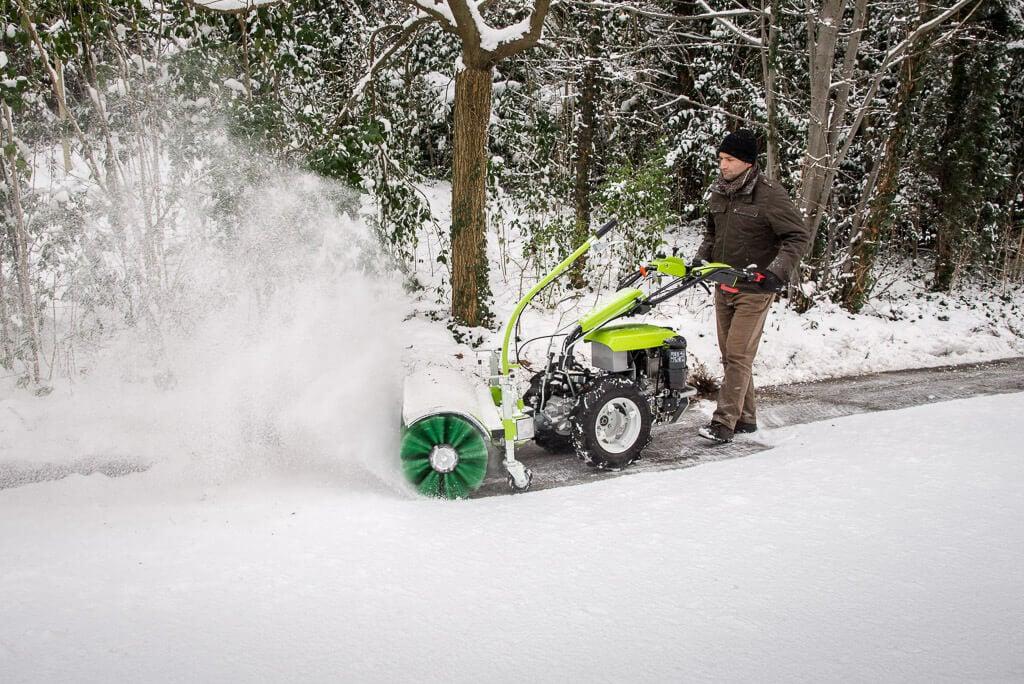 мотоблок със снегорин